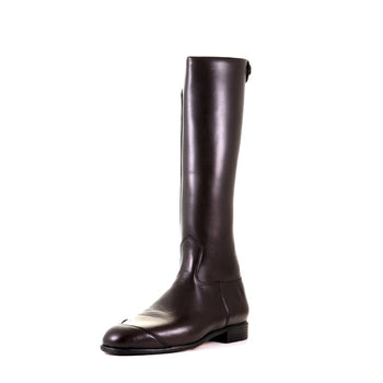 Exercise boots in brown for professional horse racing jockeys