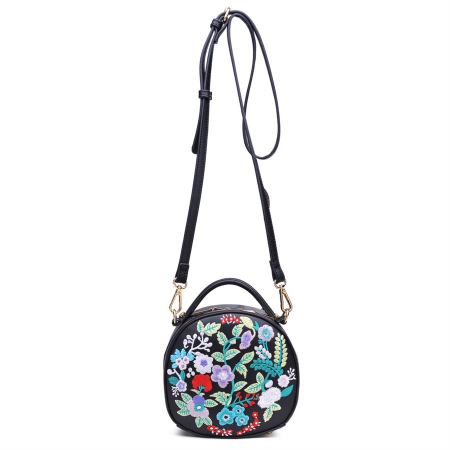 Urban Expressions Meadow Crossbody 840611139221 | Black