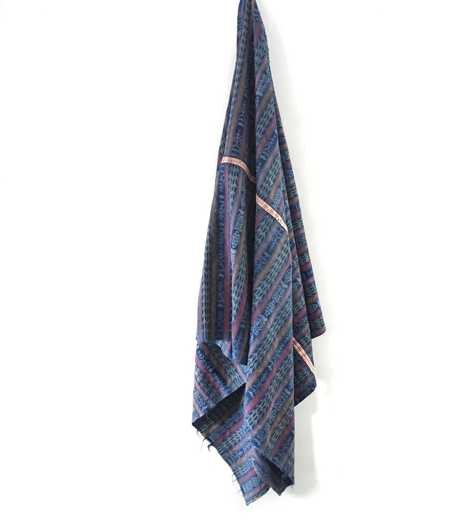 Dim Gray Vintage Corte Throw Blanket - Lago