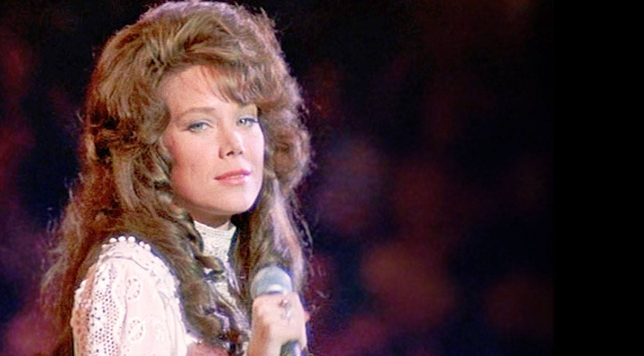 Quiz Songs | How Well Do You Remember 'Coal Miner's Daughter'? (Quiz) | Country Music Videos
