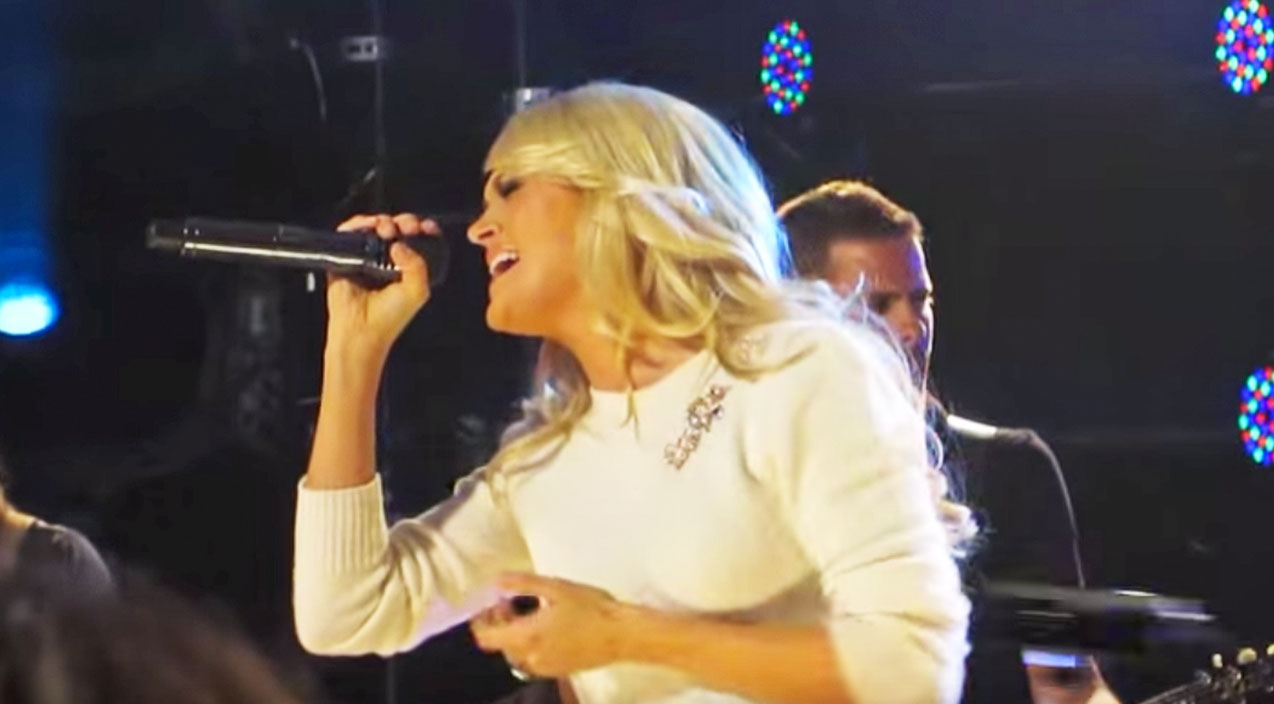 8 Of Carrie Underwood's AMAZING 1980s Covers (6/8) | Country Music Videos