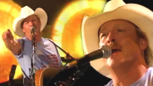 Alan jackson Songs | Alan Jackson - Hard Hat And A Hammer (CMA 2010) (WATCH) | Country Music Videos