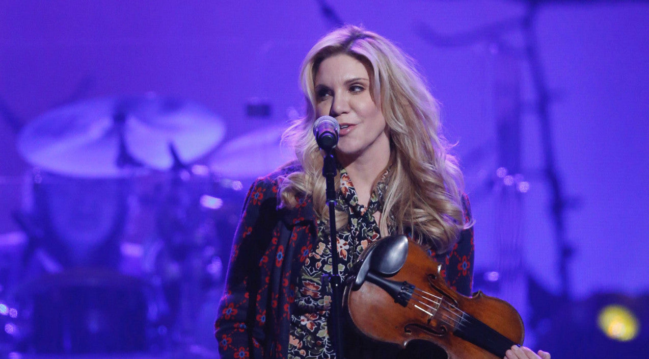 Randy travis Songs | Alison Krauss Honors Randy Travis With Flawless Cover Of 'Deeper Than The Holler' At Tribute Concert | Country Music Videos