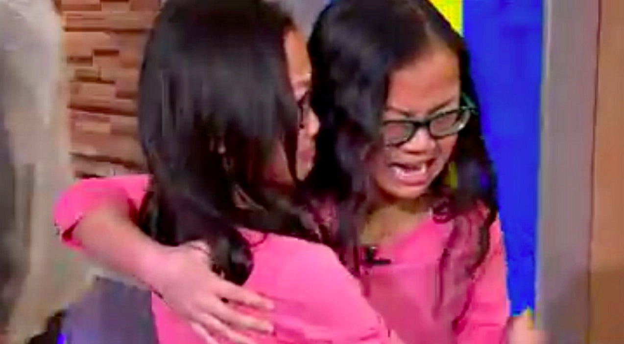 10-Year Old Asks For A Sister For Christmas And Gets Her Twin | Country Music Videos
