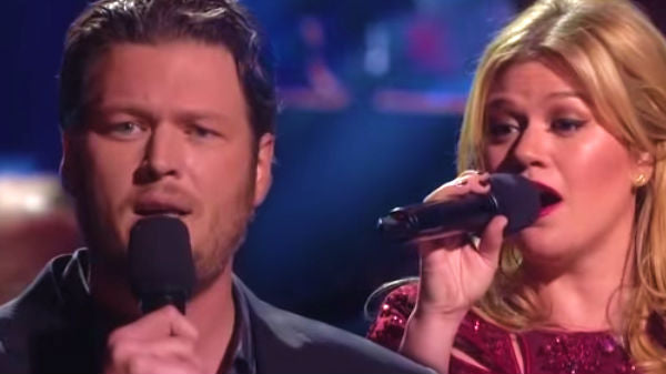 Kelly clarkson Songs | Blake Shelton and Kelly Clarkson - There's A New Kid In Town (Live) (VIDEO) | Country Music Videos
