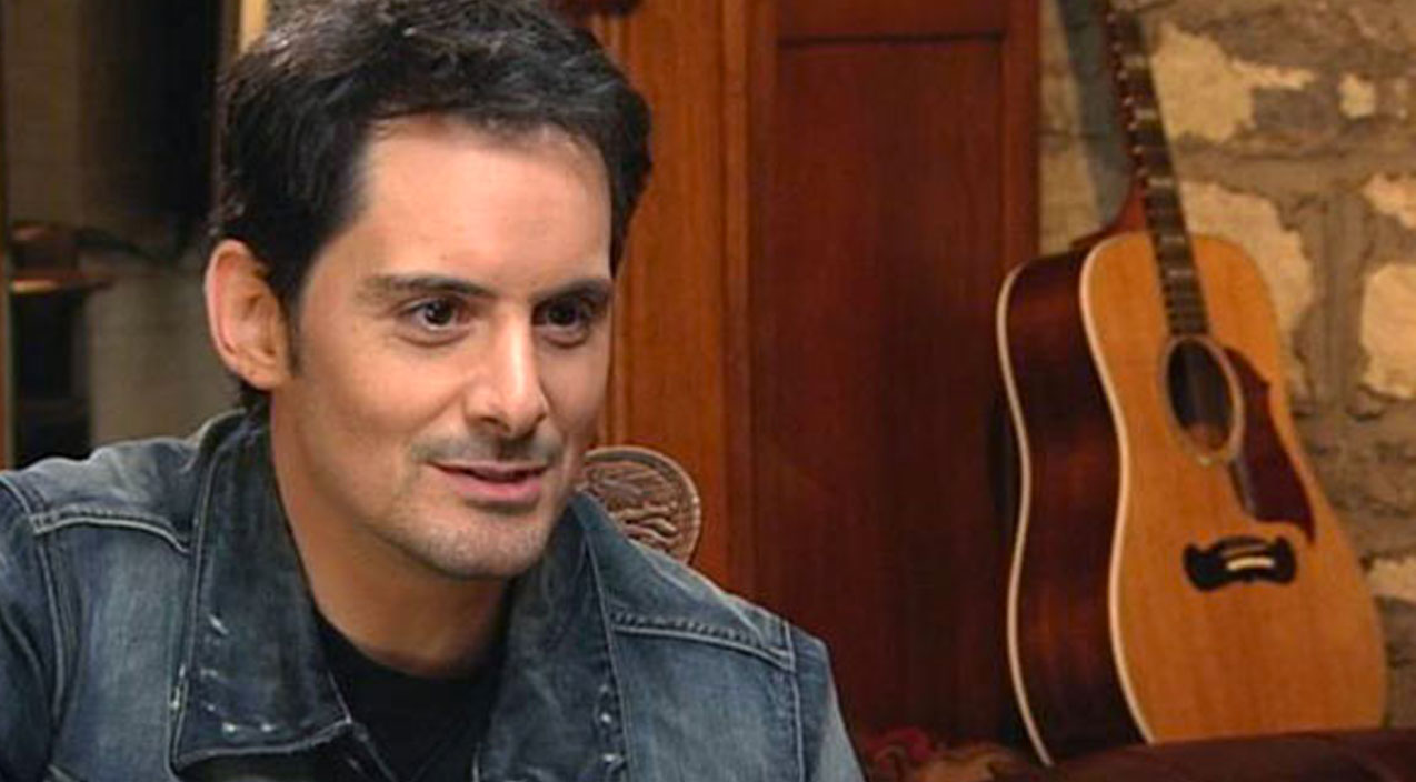 Modern country Songs   Heartbreaking Situation Has Brad Paisley Asking For Help   Country Music Videos