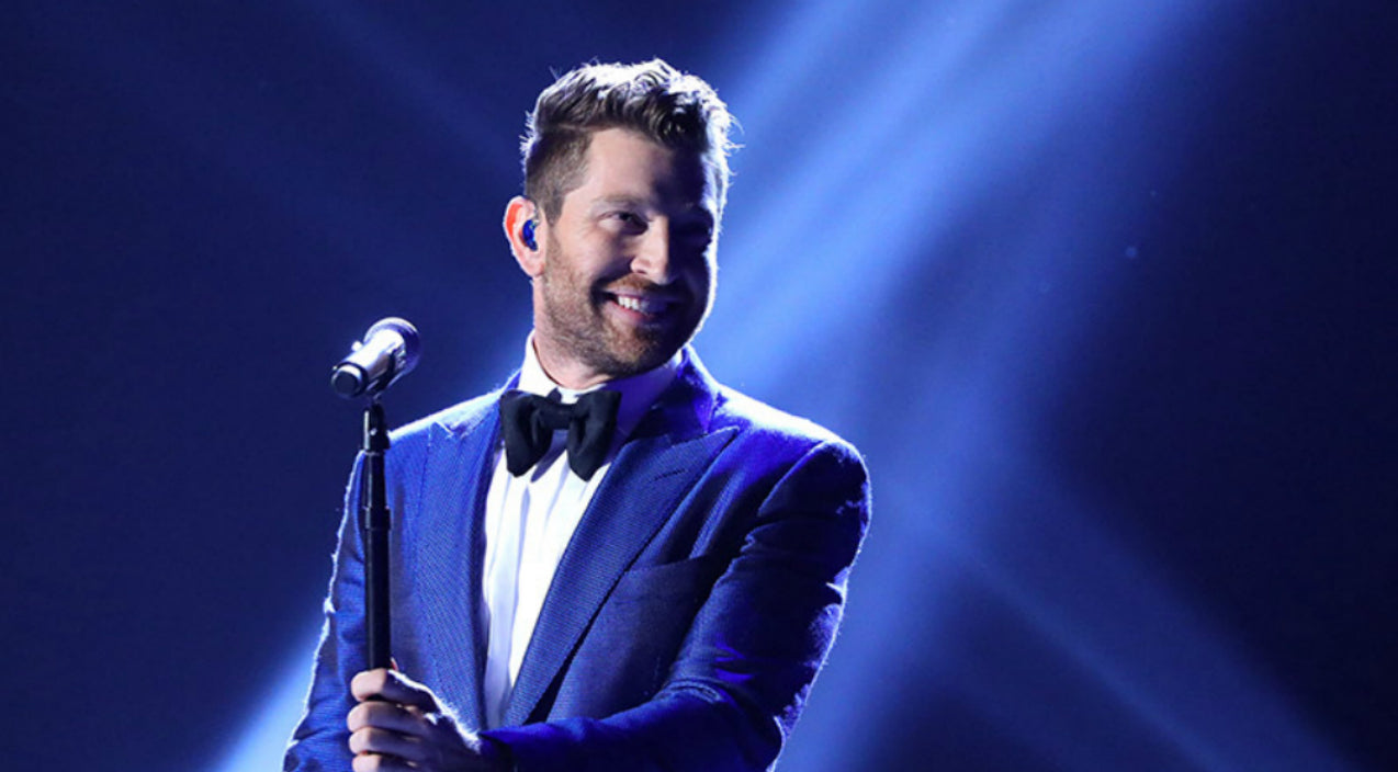 Brett eldredge Songs | Brett Eldredge Channels His Inner Sinatra With Moving Performance Of 'Have Yourself A Merry Little Christmas' | Country Music Videos