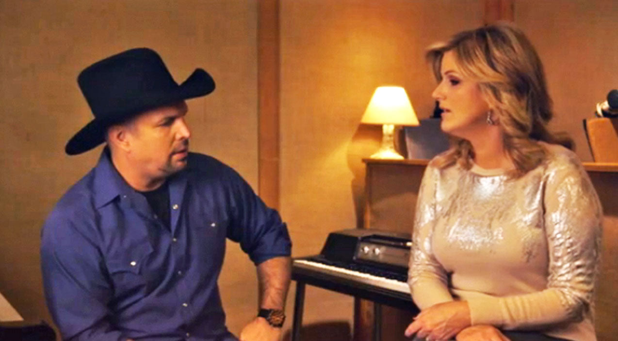 Trisha yearwood Songs | Garth Brooks & Trisha Yearwood Immortalize Conway & Loretta's Fiery Duet | Country Music Videos