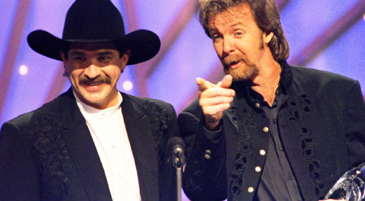 Reba mcentire Songs | Brooks & Dunn Performs