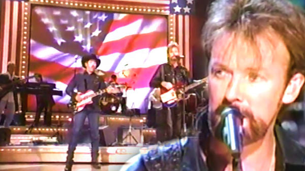 Brooks and dunn Songs | Brooks & Dunn - Only In America (CMA Awards 2001 Live) | Country Music Videos