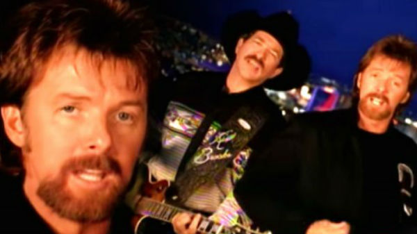 Brooks and dunn Songs | Brooks and Dunn - Honky Tonk Truth (LIVE) | Country Music Videos