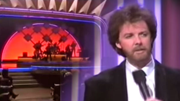 Brooks and dunn Songs | Brooks and Dunn - She Used To Be Mine (Live At The 1993 CMA Awards Show) (VIDEO) | Country Music Videos
