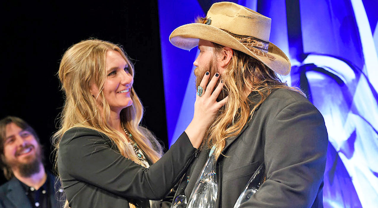 Chris stapleton Songs | Chris Stapleton And His Wife Create Magic With Beautiful 'You Are My Sunshine' Cover | Country Music Videos