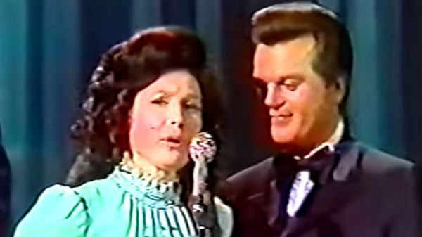 Dolly parton Songs | Conway Twitty, Loretta Lynn, Dolly Parton, Porter Wagoner, Bill Anderson and Jan Howard 1971 Awards! (VIDEO) | Country Music Videos
