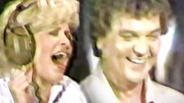Conway twitty Songs | Conway Twitty and Carroll Baker - It's Only Make Believe | Country Music Videos