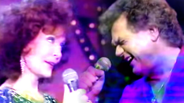Loretta lynn Songs | Conway Twitty and Loretta Lynn - Goodbye Time and Makin' Believe | Country Music Videos