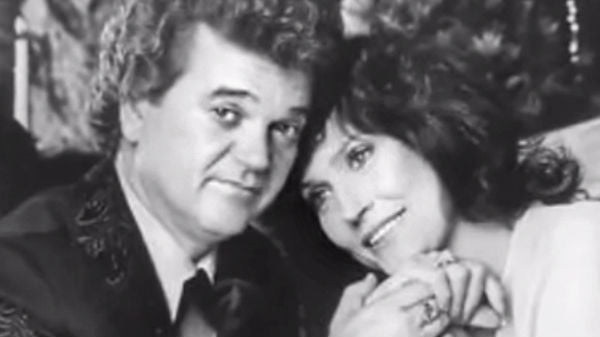 Loretta lynn Songs | Conway Twitty and Loretta Lynn - One I Can't Live Without | Country Music Videos