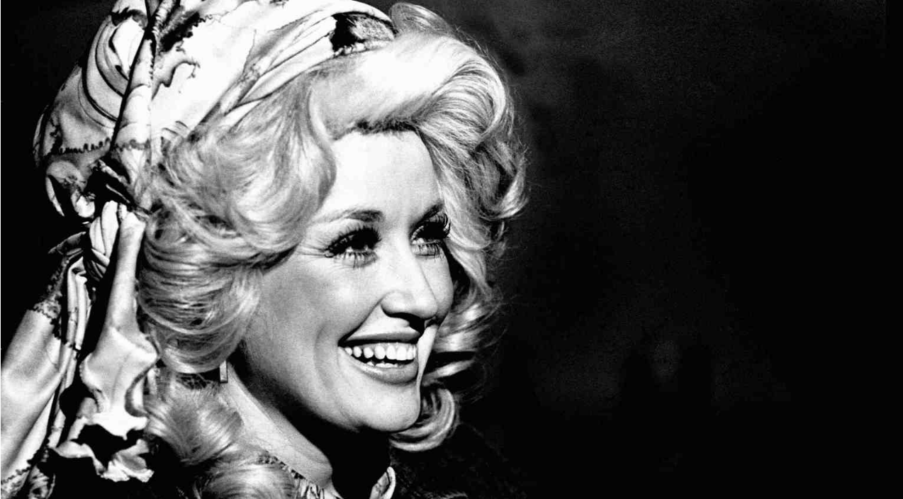 Dolly parton Songs | Dolly Parton's 'Jolene' Slowed To 33 RPM Is Hauntingly Beautiful | Country Music Videos