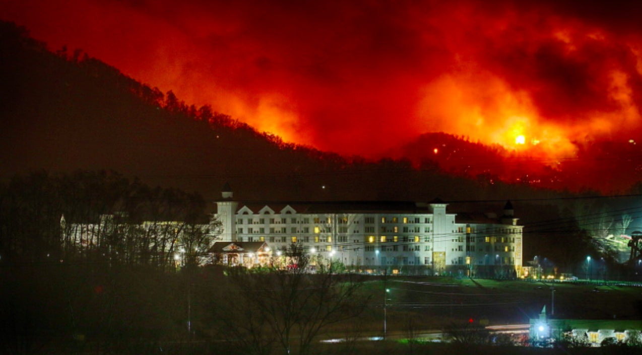 Dolly parton Songs | Wildfires Arrive At Dollywood's 'Doorstep', Park Suspends Operations | Country Music Videos