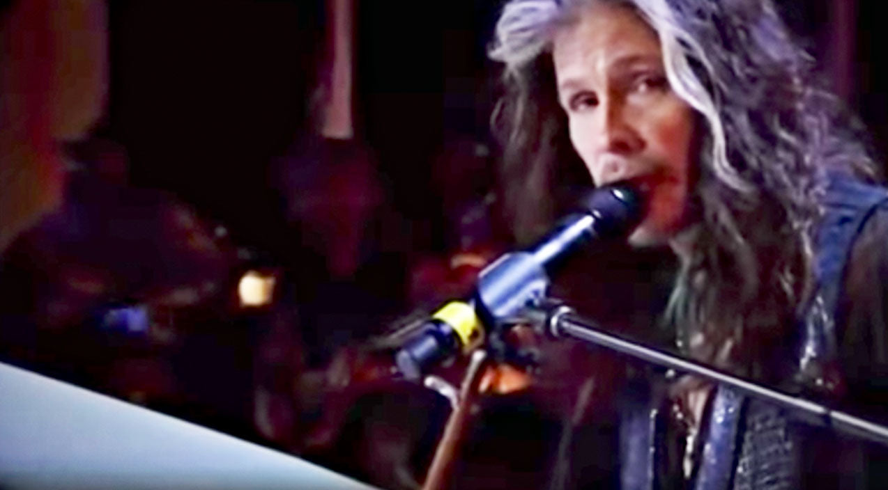 Steven tyler Songs | Haunting Piano Cover Of 'Dream On' Proves Steven Tyler Will Always Be Iconic | Country Music Videos