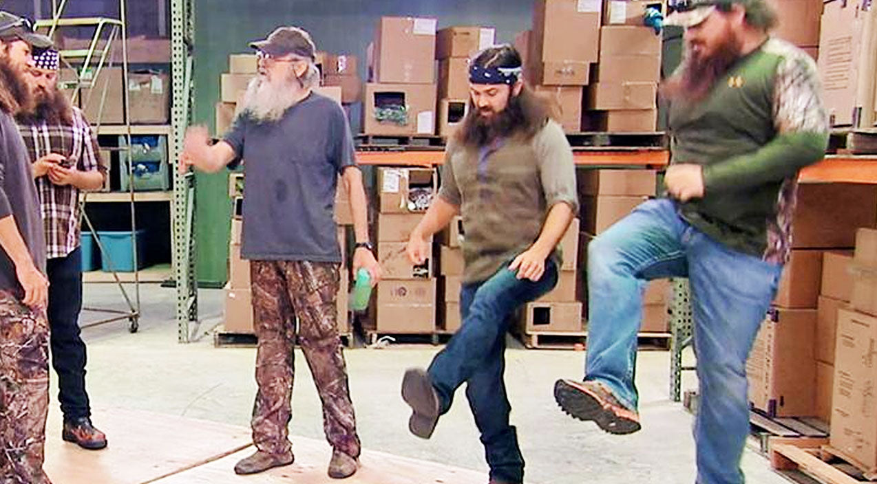 Duck Dynasty Clan Shows Off Their Best Dance Moves (HILARIOUS!) | Country Music Videos