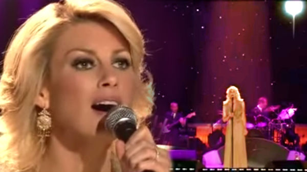 Faith hill Songs | Faith Hill - A Baby Changes Everything  (Live) (VIDEO) | Country Music Videos