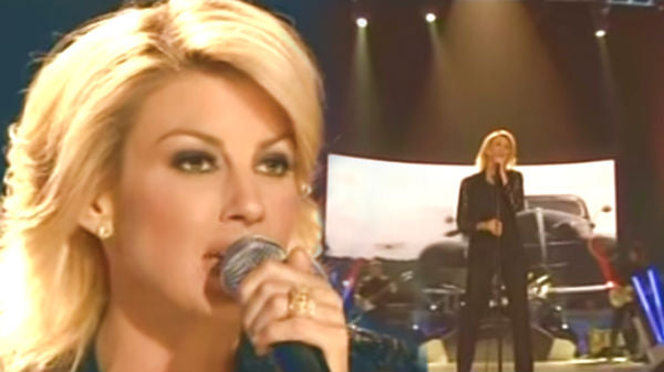 Faith hill Songs | Faith Hill - 'There You'll Be' and 'Paris' (Chicago Live) (WATCH) | Country Music Videos