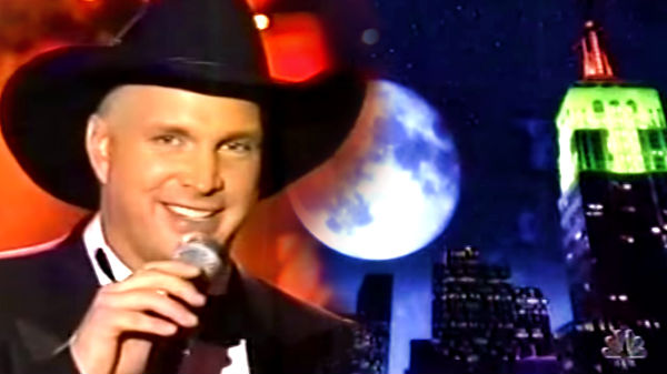 Trisha yearwood Songs | Garth Brooks - The Magic of Christmas (T.V. Special 1999) (VIDEO) | Country Music Videos