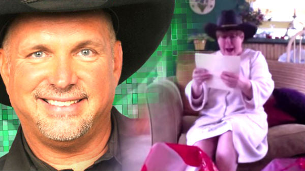 Garth brooks Songs | Garth Brooks Christmas Surprise! (VIDEO) | Country Music Videos