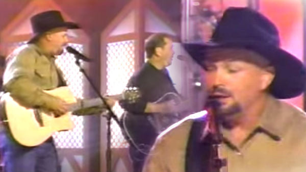 Garth brooks Songs | Garth Brooks and Steve Wariner - Longneck Bottle (VIDEO) | Country Music Videos