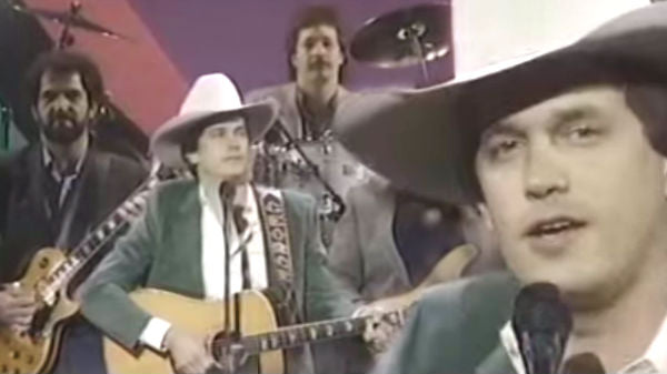 George strait Songs | George Strait - Ocean Front Property (1987 Live) | Country Music Videos