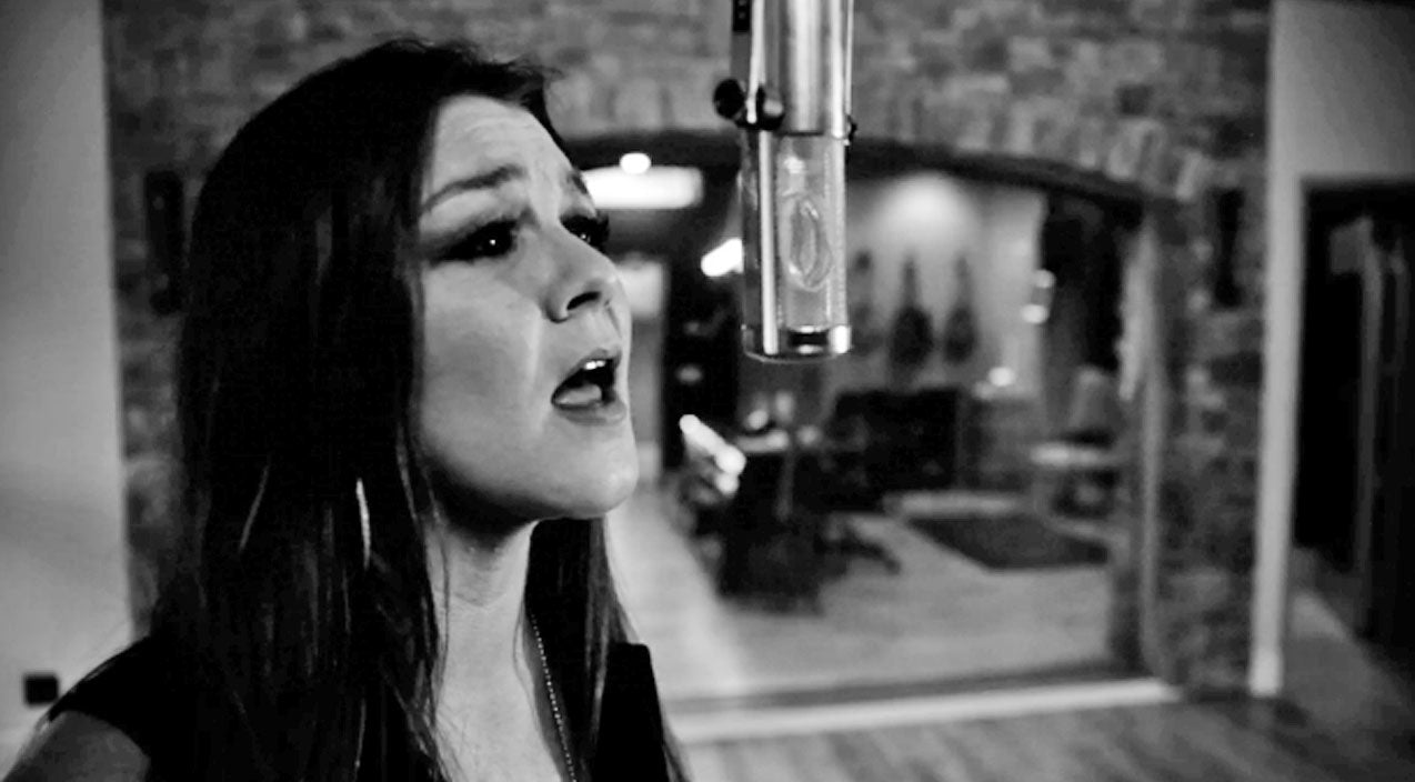 Modern country Songs | Gretchen Wilson Joins Buckcherry In Newest Music Video | Country Music Videos