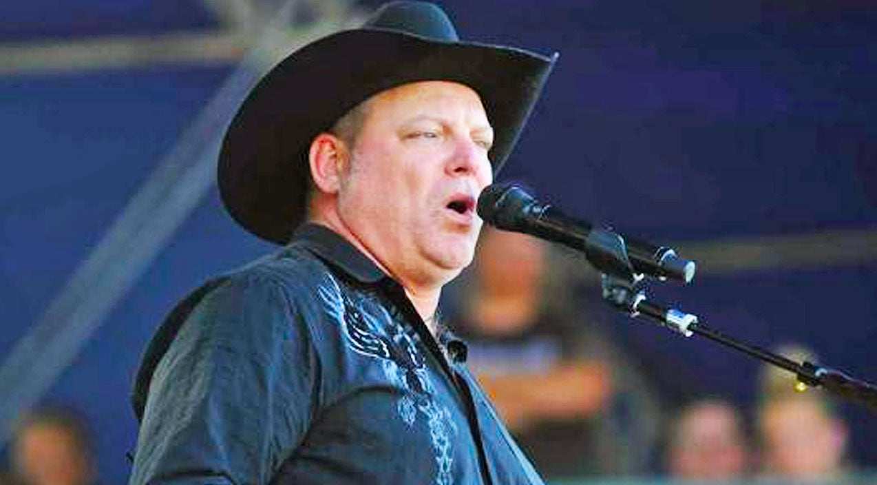 John michael montgomery Songs | FLASHBACK: John Michael Montgomery Captures Hearts With Romantic Ballad 'I Swear' | Country Music Videos