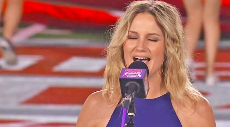 Jennifer nettles Songs   Jennifer Nettles' Magnificent Performance Of The National Anthem Will Move You To Tears   Country Music Videos