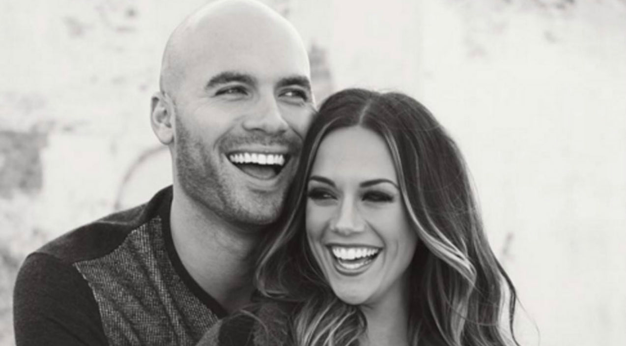 Jana kramer Songs | Jana Kramer Splits From Husband Mike Caussin | Country Music Videos