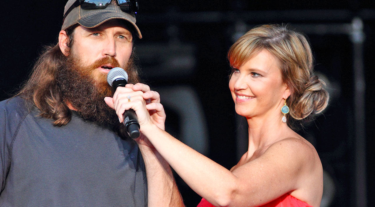 Jase And Missy Robertson Have Built A Foundation On Faith | Country Music Videos