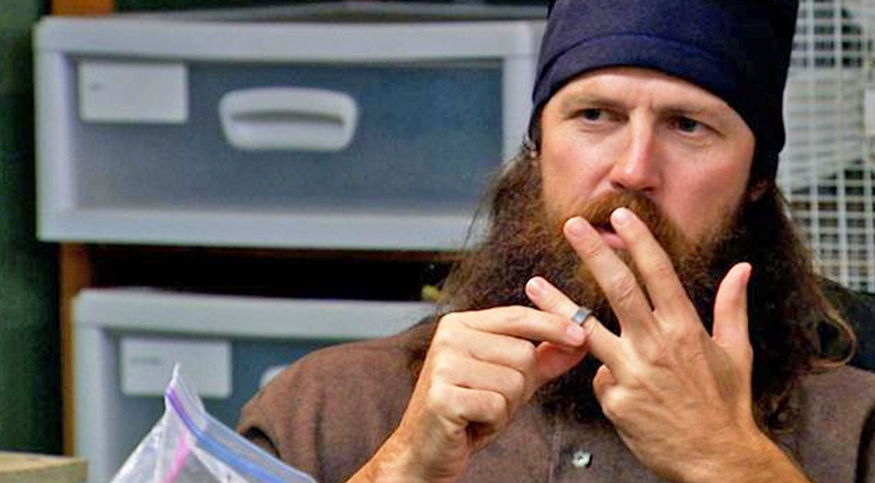 What Is Jase Robertson's Biggest Weakness? His Wife Is Not Pleased! (WATCH)   Country Music Videos