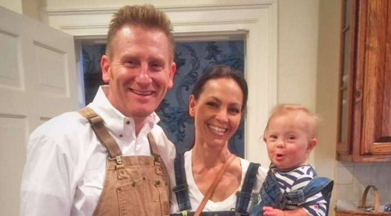Joey + rory Songs | Joey + Rory Embrace Colder Weather With The Cutest 'Polar Bear' Around | Country Music Videos