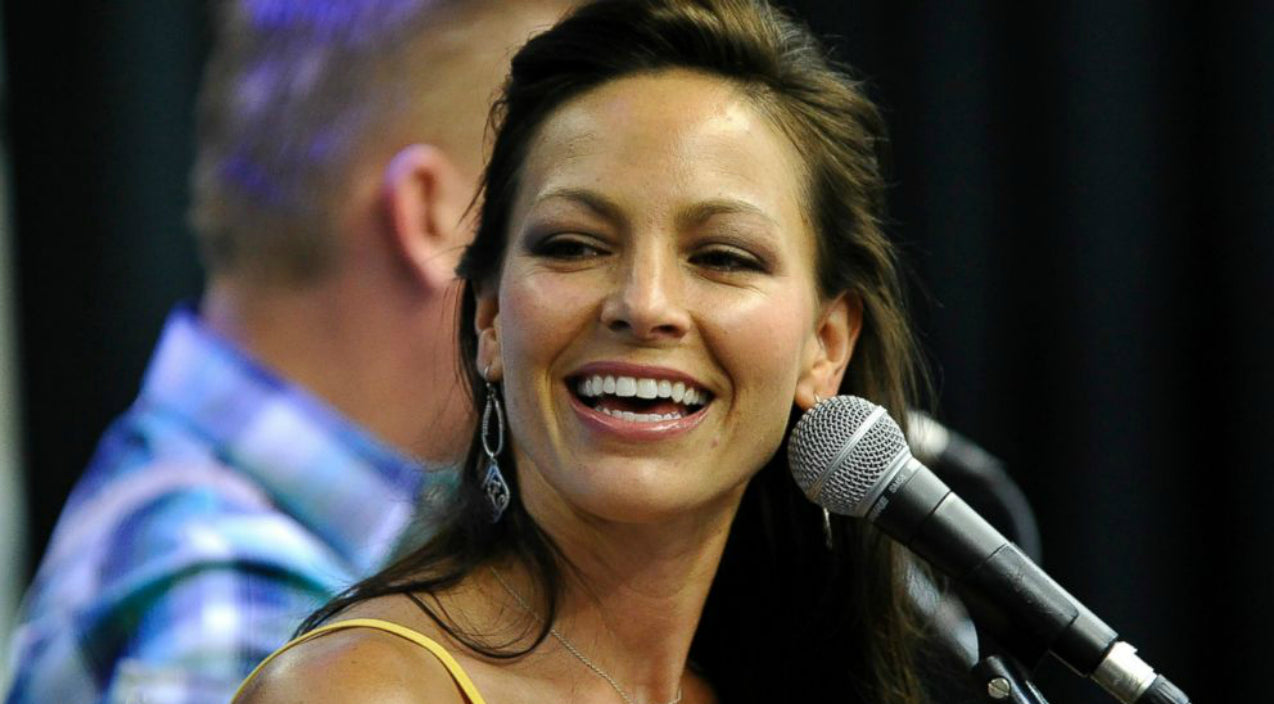 Joey + rory Songs   Joey Feek Gets Special Valentine's Day Kiss   Country Music Videos
