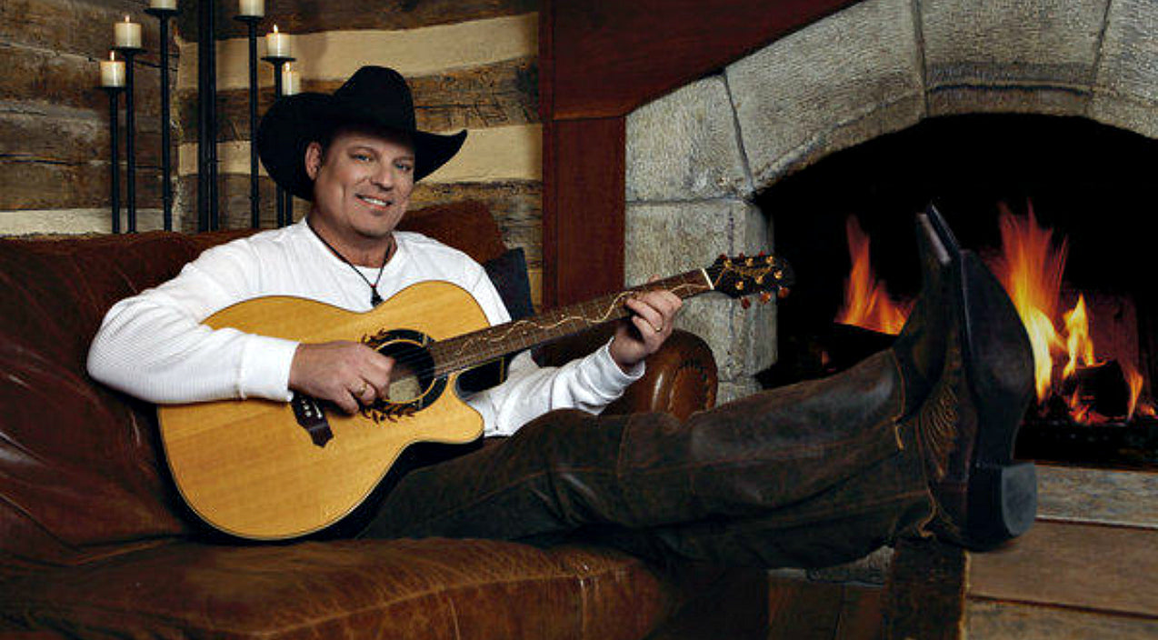John michael montgomery Songs | John Michael Montgomery Releases Emotional New Video Just In Time For Christmas | Country Music Videos