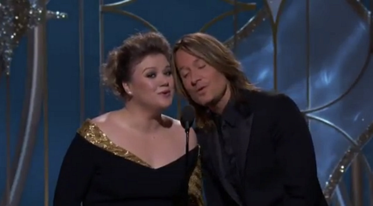 Kelly clarkson Songs | Kelly Clarkson And Keith Urban Surprise Award Show Attendees With Stunning Six-Word Duet | Country Music Videos