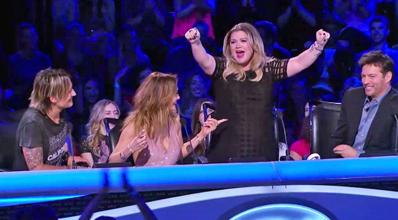 Kelly clarkson Songs | Kelly Clarkson Predicts 'Idol' Winner After Priceless Reaction | Country Music Videos