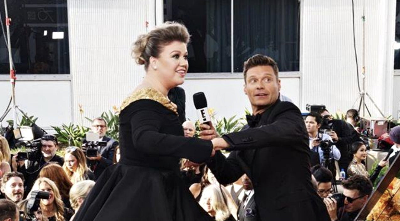 Kelly clarkson Songs   Kelly Clarkson Has Epic Freak Out After Spying Her Idol On The Red Carpet   Country Music Videos