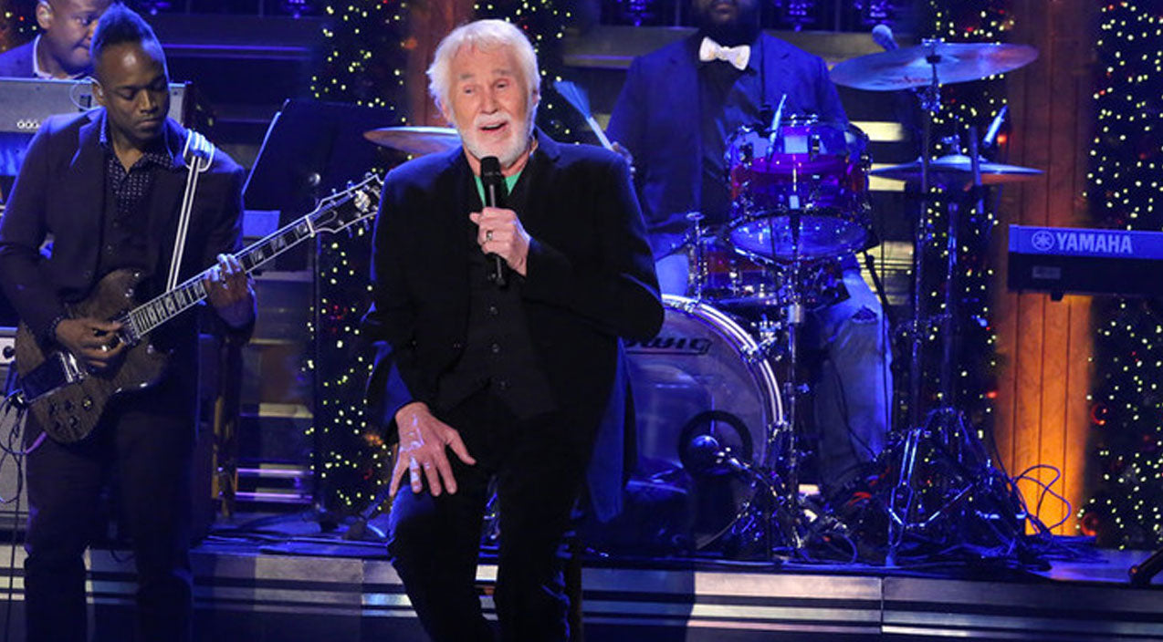 Kenny rogers Songs | Kenny Rogers Delivers Beautiful Holiday Performance On 'The Tonight Show' | Country Music Videos