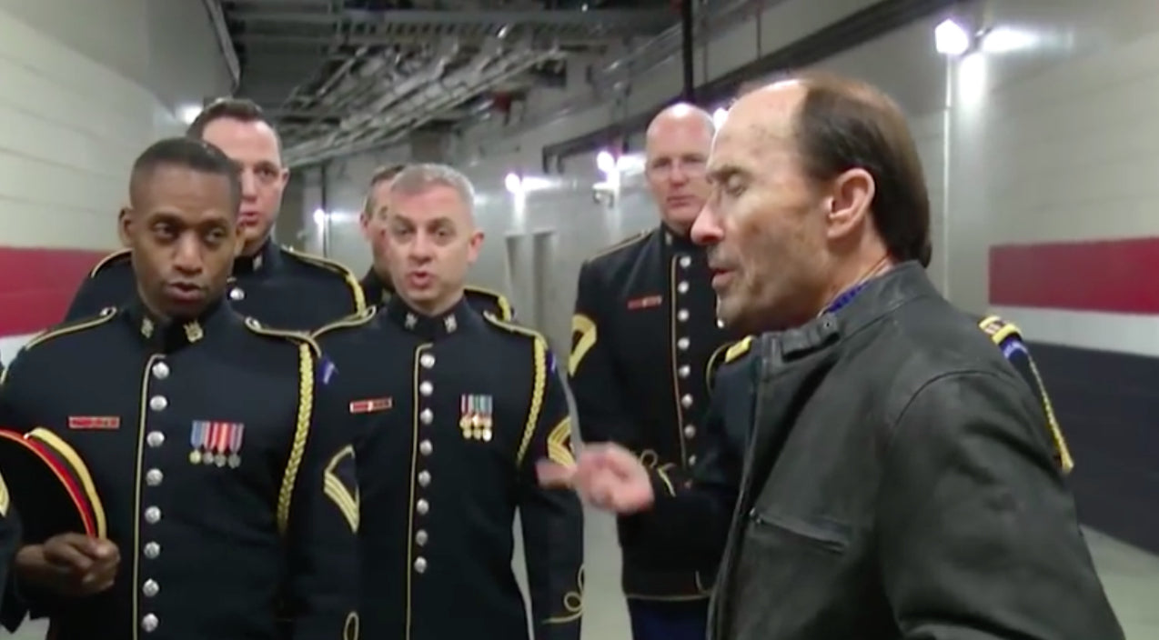 Lee greenwood Songs | Lee Greenwood Joins The Army Chorus For Impromptu A Cappella Performance Of