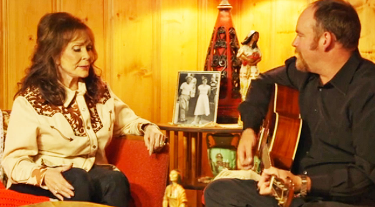 Loretta lynn Songs | Loretta Lynn Joins Johnny Cash's Son For Stunning Acoustic New Song | Country Music Videos