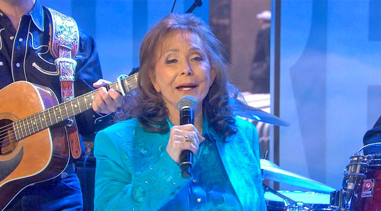 Loretta lynn Songs | Loretta Lynn Debuts 'Heavenly' New Song On 'Today Show' | Country Music Videos