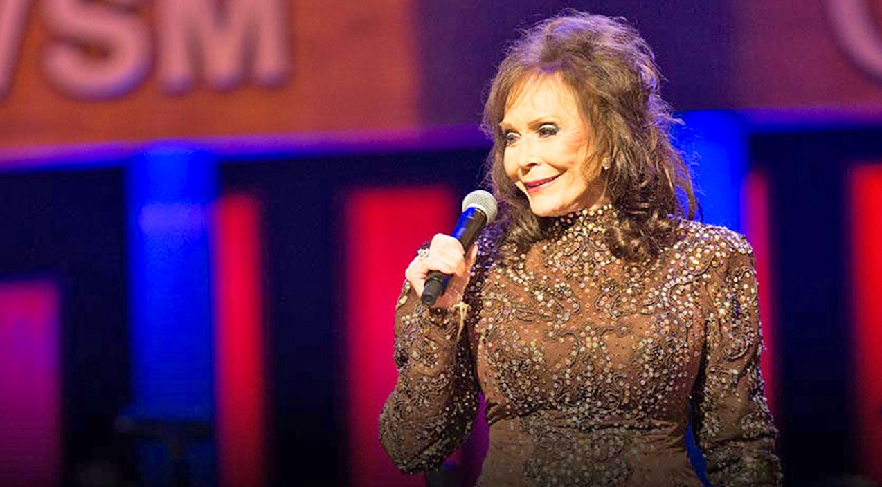 Loretta lynn Songs | Country Music's First Lady, Loretta Lynn Returns To Grand Ole Opry | Country Music Videos