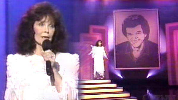 Loretta lynn Songs | Loretta Pays Tribute to Conway Twitty - It's Only Make Believe | Country Music Videos