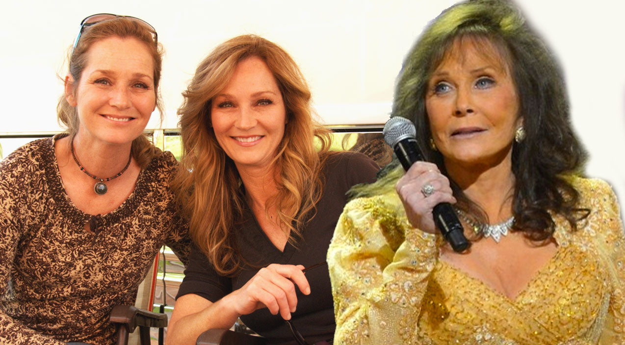 Loretta lynn Songs | Loretta Lynn Shares A Heartwarming Moment With Her Twin Daughters, and Baby Granddaughter Backstage! (VIDEO) | Country Music Videos